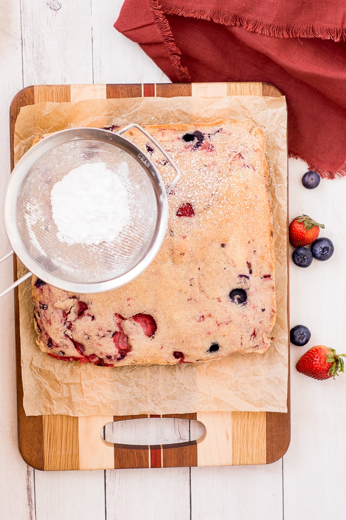 mixed berries bars with powdered sugar