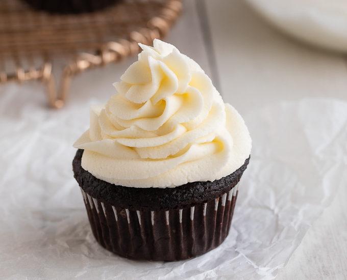 vanilla buttercream on cupcake